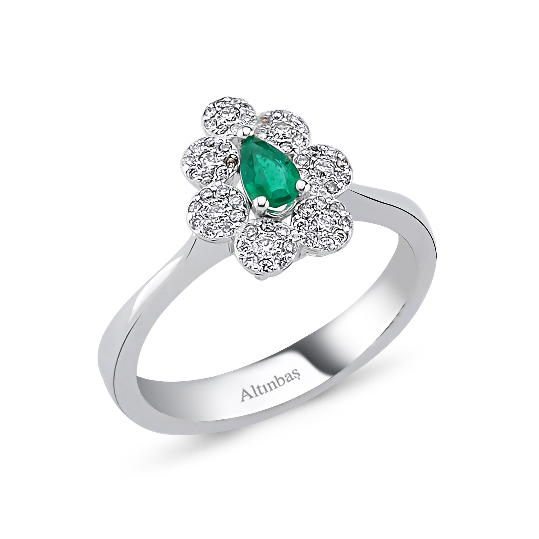 0.21 Carat Emerald Diamond Ring